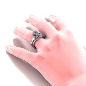 Claddagh Bridal Set - hand view