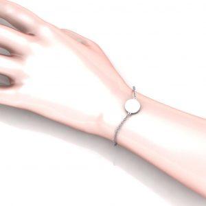 Disc Bracelet Engravable - hand view