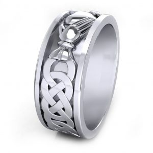 Claddagh Men's Ring - side view