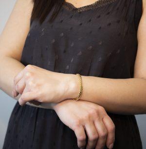 Solid Snake Franco Bracelet 6mm - woman's hand