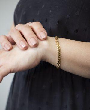 Solid Snake Franco Bracelet 5.20mm - woman's hand